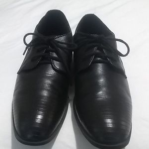 Kenneth Cole Shoes - Boys Kenneth Cole size 6